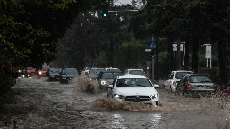 Κακοκαιρία «Μπάλλος»: Διακοπή ρεύματος στο Παγκράτι