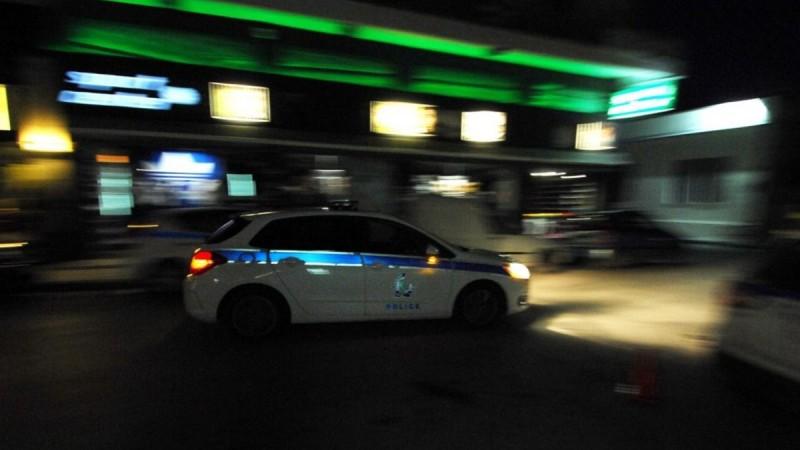 Ασπρόπυργος: Παράτησαν βρέφος στον δρόμο και κλείδωσαν 4 ακόμη παιδιά σε πορτ μπαγκάζ