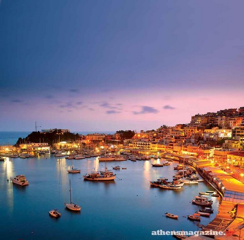 Από τον Πειραιά μέχρι τη Γλυφάδα: Οι καλύτερες επιλογές για καφέ, φαγητό και ποτό στην παραλιακή πλευρά της πόλης!